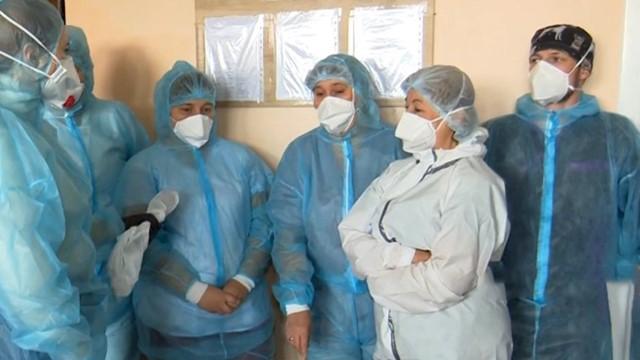 Пациенты лежат в коридорах, а врачи падают с ног: ситуация с Covid-19 в Одесской области