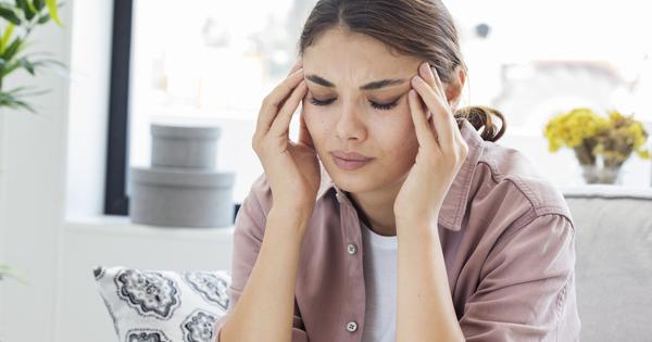 Головний біль виникає через високий тиск, чи тиск підвищується від болю