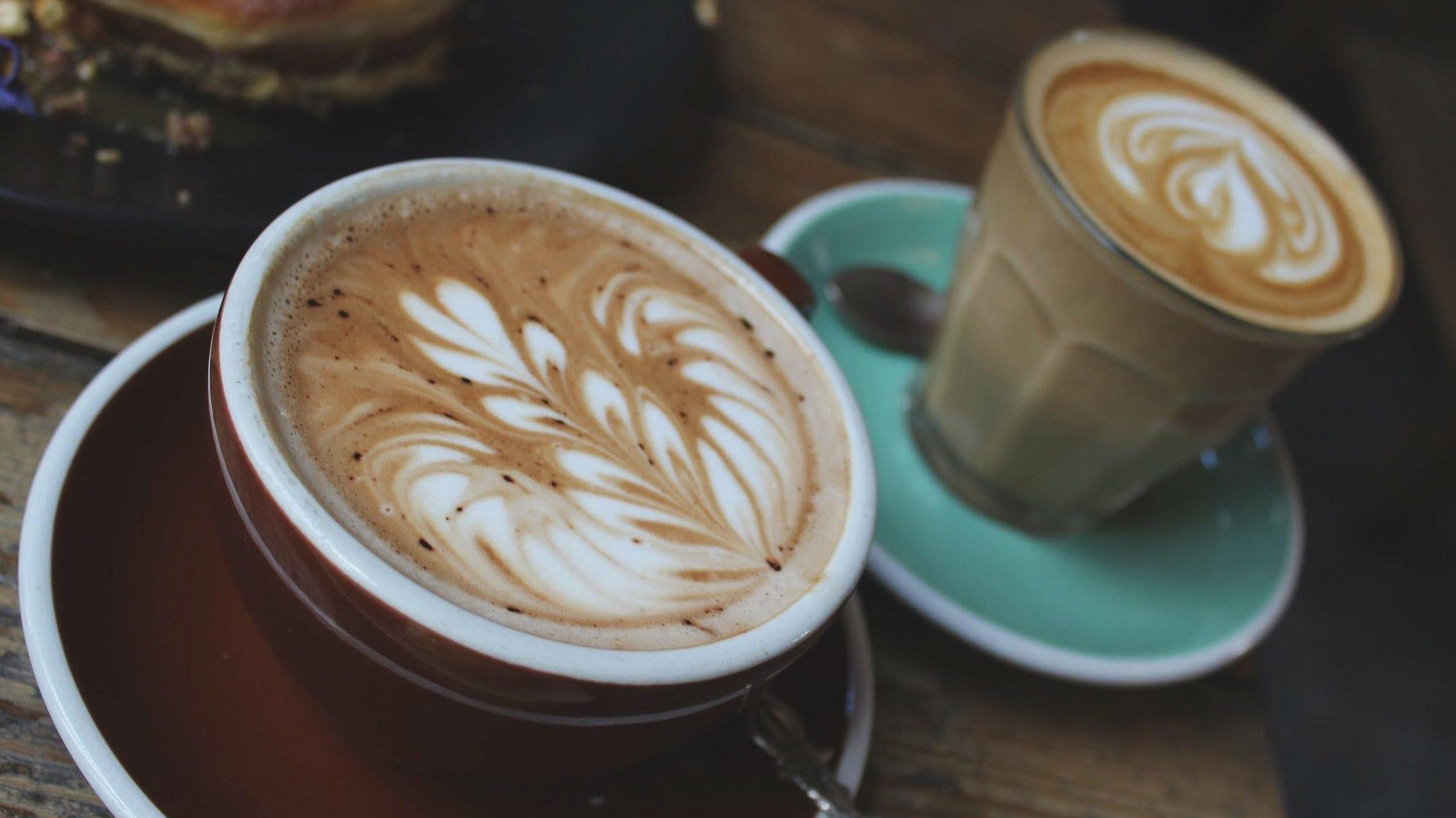 На воді або з молоком: як правильно зварити какао