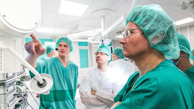 Медперсонал, який працює з зараженими коронавірусом, отримає надбавку