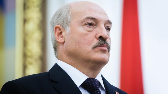 Господь повинен оберігати Білорусь від коронавірусу – Лукашенко