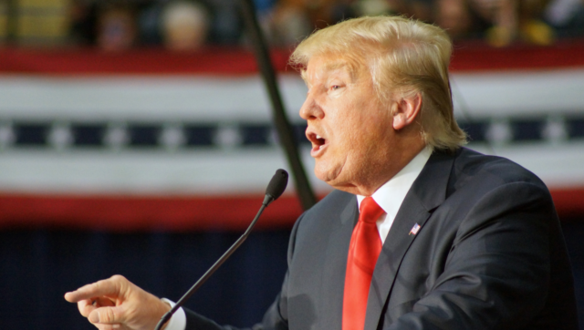 Трамп сподівається позбутися пандемії коронавірусу до Великодня