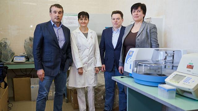 Biopharma передала лабораторії МОЗ обладнання для визначення коронавірусу