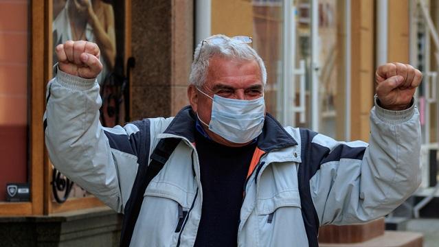Перший українець зміг вилікуватися від коронавірусу