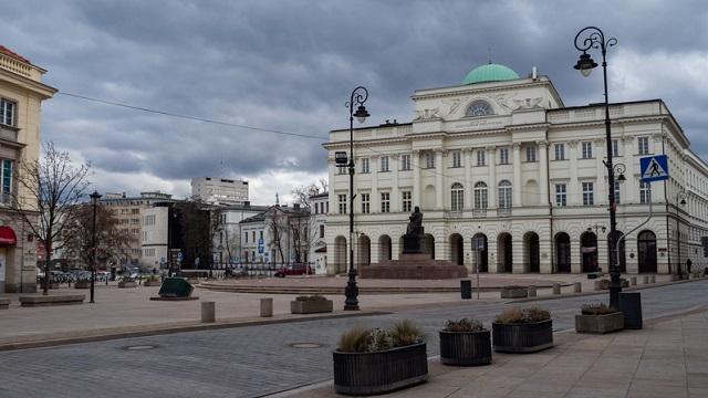 У Польщі обмежили свободу пересування через коронавірус