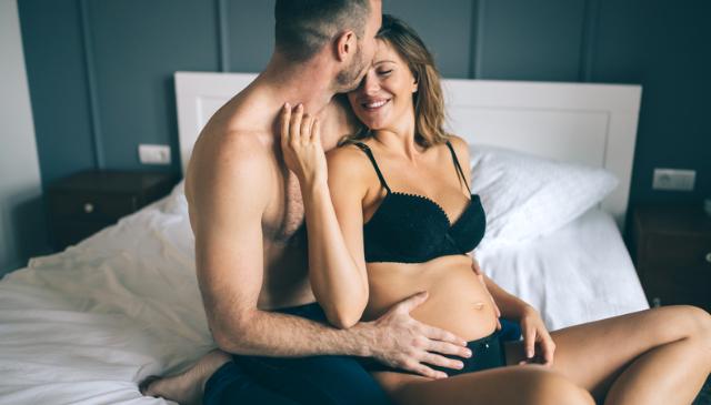 Безпечно і приємно: три пози для сексу під час вагітності