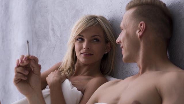 Погіршує потенцію та активність: як куріння впливає на секс