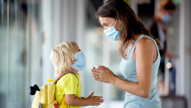 Слів буде замало: як пояснити дитині, навіщо носити маску