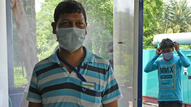 Має подвійну мутацію: в Індії з'явився новий штам коронавірусу