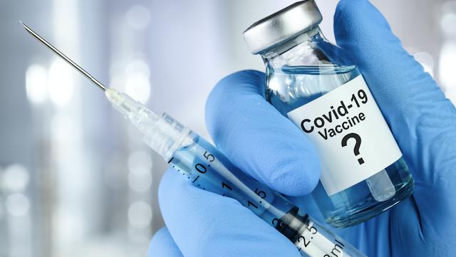 AstraZeneca перевірить ефективність своєї вакцини проти нового штаму Covid-19