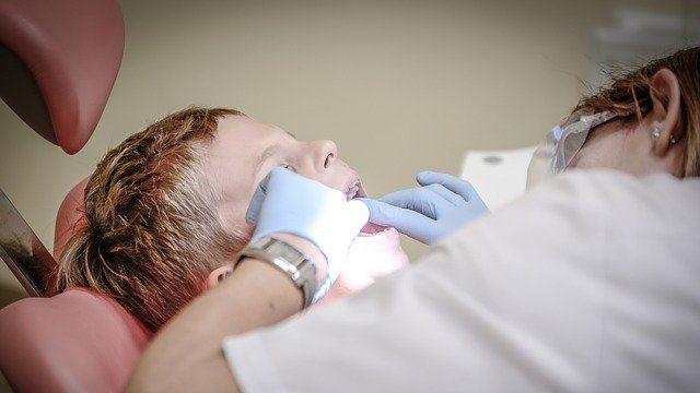 Що робити, якщо у дитини болять зуби