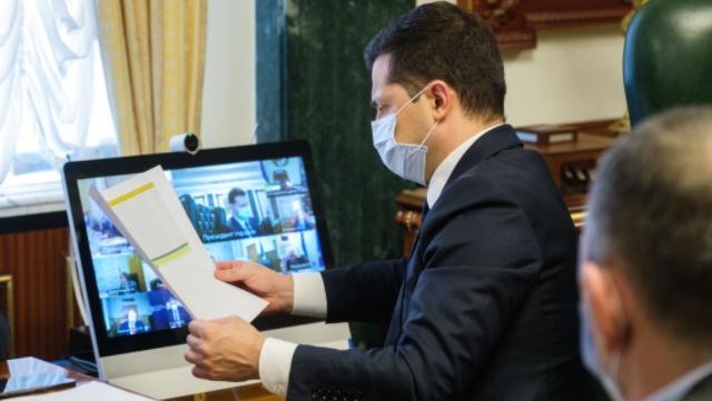 Зеленський: Наша відповідь на Covid-19 – вакцинація, а не локдаун