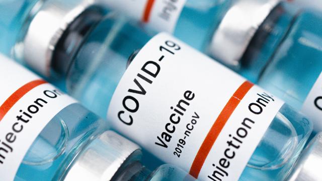 В Україну з Китаю відправили першу партію вакцини Sinovac