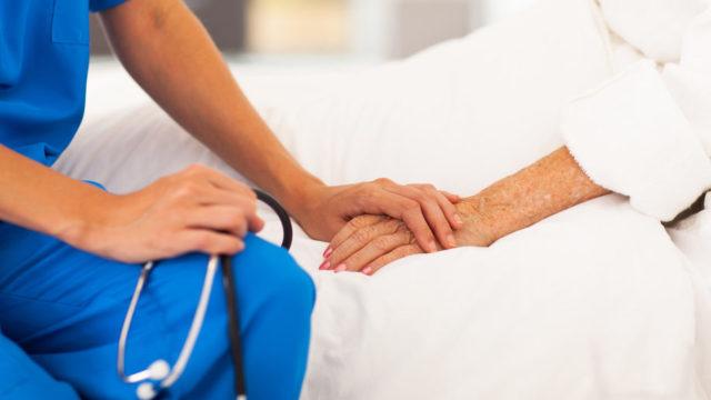 В Україні 82% усіх померлих від Covid-19 – літні люди старші за 60 років