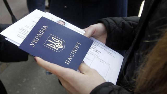 Українцям доведеться жити з Covid-сертифікатами дуже довго – експерт