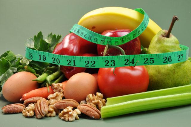 Чи допоможе ананас схуднути і коли не варто відмовлятися від хліба – дієтолог