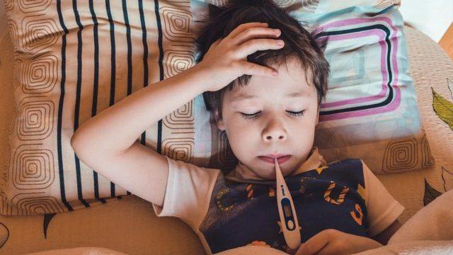Літня ангіна: чи існує вона та як вберегти горло від тонзиліту