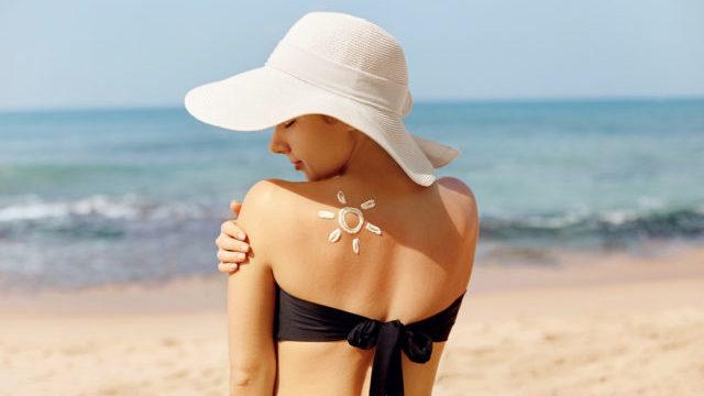 Як правильно засмагати на сонці на морі