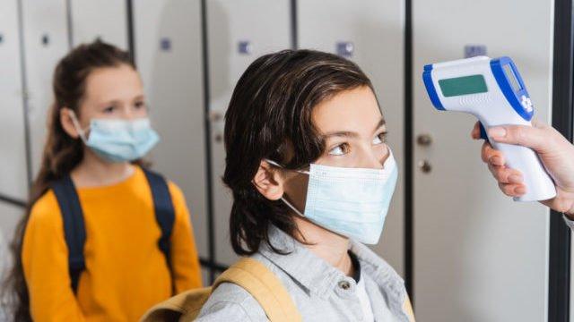Епідемічна ситуація непередбачувана: чи повернуться діти до школи 1 вересня