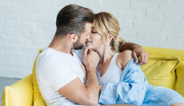 Небезпечний поцілунок: що можна підхопити від партнера, та чому Майкл Дуглас хворів на рак горла