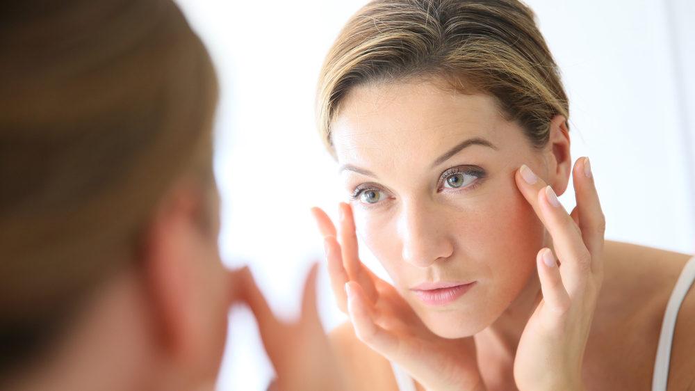 Вмивання та зволоження: як зупинити старіння шкіри обличчя