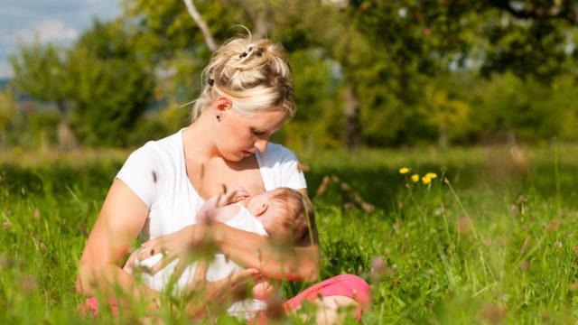 Чи можна завагітніти під час годування груддю