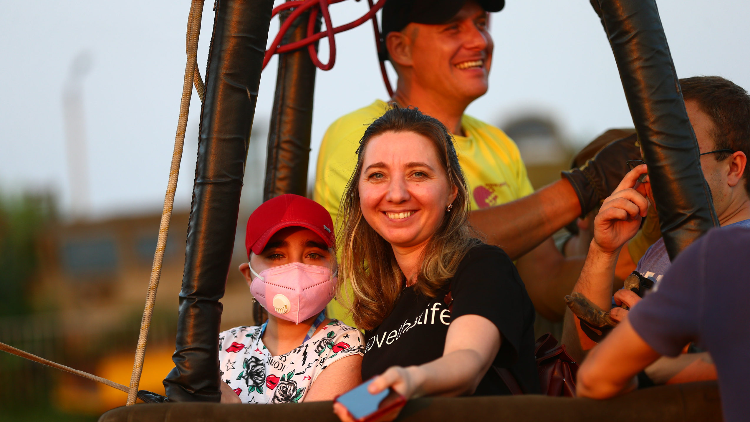 Політ для супергероїв: в Охматдиті дітям після трансплантації подарували свято