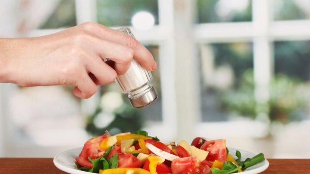 Альтернативи солі немає: трави і прянощі тільки для поліпшення смаку
