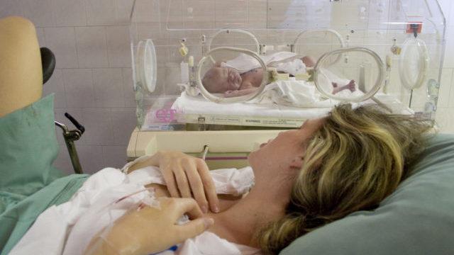 Лікар запліднив своєю спермою: 226 жертв лікування безпліддя в Канаді отримають 13 млн канадських доларів