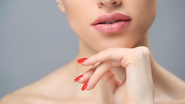 Експерт розповів, як зменшити вплив куріння на шкіру