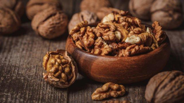 Бережуть серце, знижують холестерин: скільки волоських горіхів потрібно їсти в день