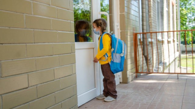 У Хмельницькому виписали з лікарні всіх постраждалих від отруєння дітей