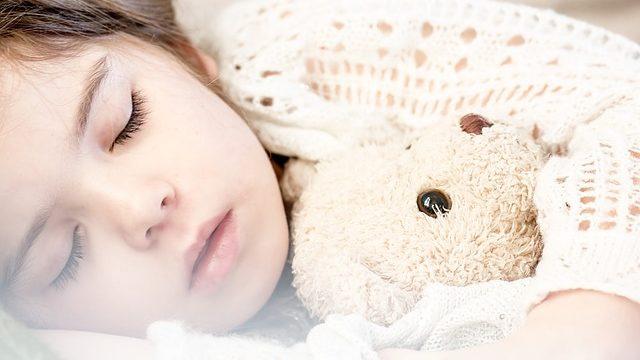 Знову ранній підйом. Як налаштувати режим сну після літньої відпустки