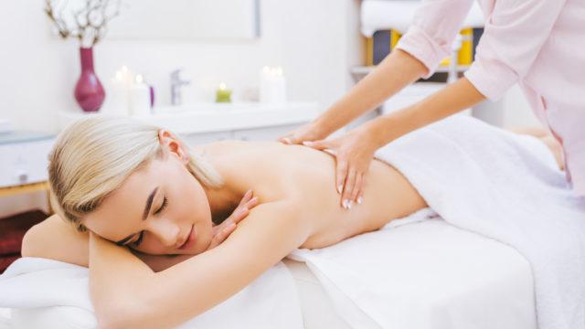 спина массаж