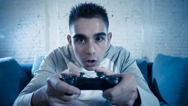 подросток, видеоигра, зависимость