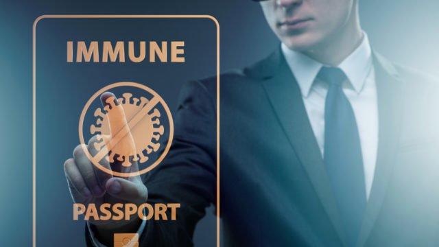 Обов'язкові Covid-паспорти у Великій Британії посилять сумніви у необхідності щеплення